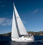 Cruise the sea on Bavaria 32